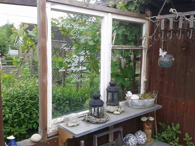 Ber ideen zu altes fenster gew chshaus auf for Gartendeko alte fenster