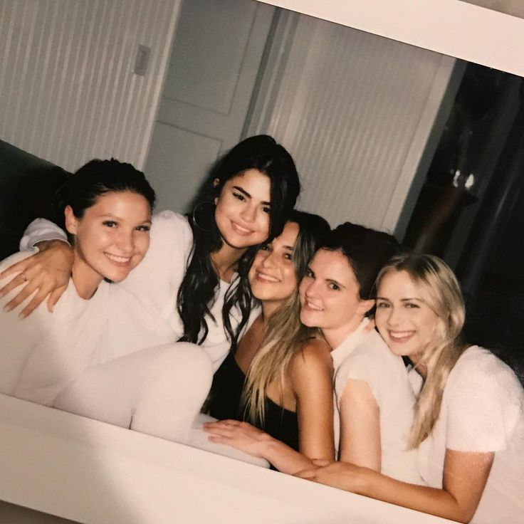 Selena Gomez with her friends on her birthday