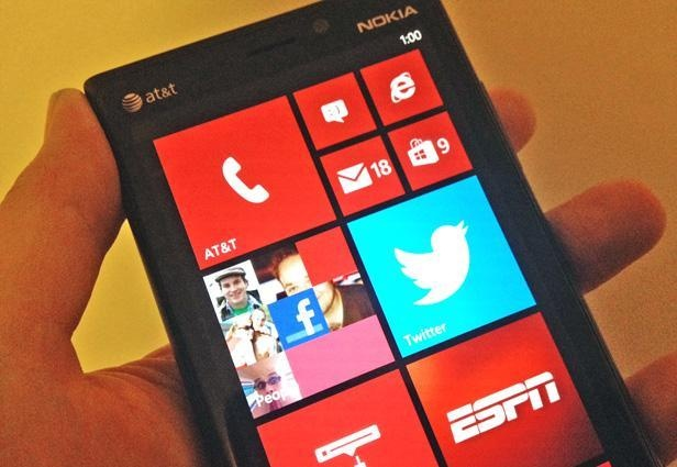 Nokia Lumia 920: A big phone with a killer camera