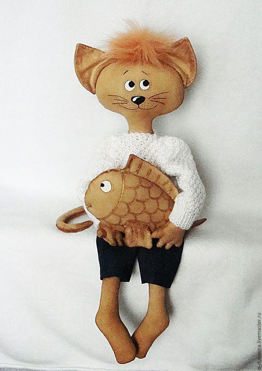 Игрушки животные, ручной работы. Ярмарка Мастеров - ручная работа. Купить Кот Василий с рыбкой.. Handmade. кот кот игрушка