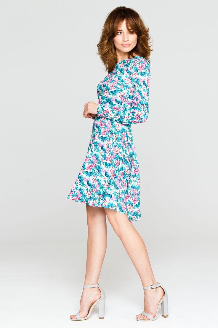 Lengva plazdanti suknelė