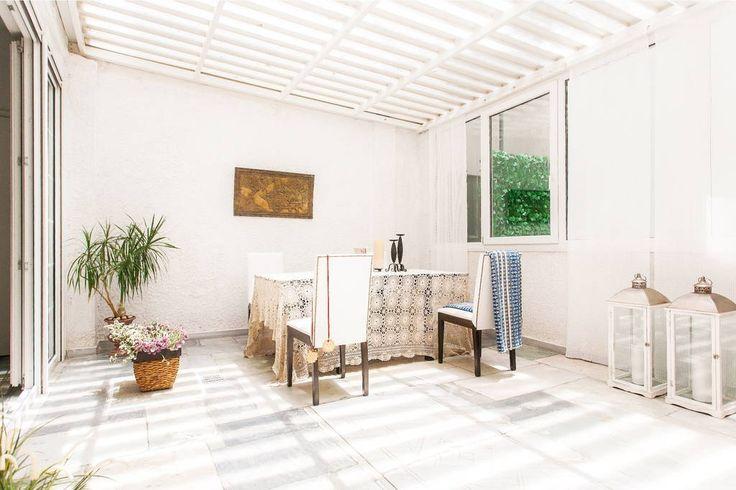 Kolonaki ArtGallery Luminous Atrium Suite 110 sq.m - Arty dining area Διαμερίσματα προς ενοικίαση στην Athina https://www.airbnb.gr/rooms/9341776