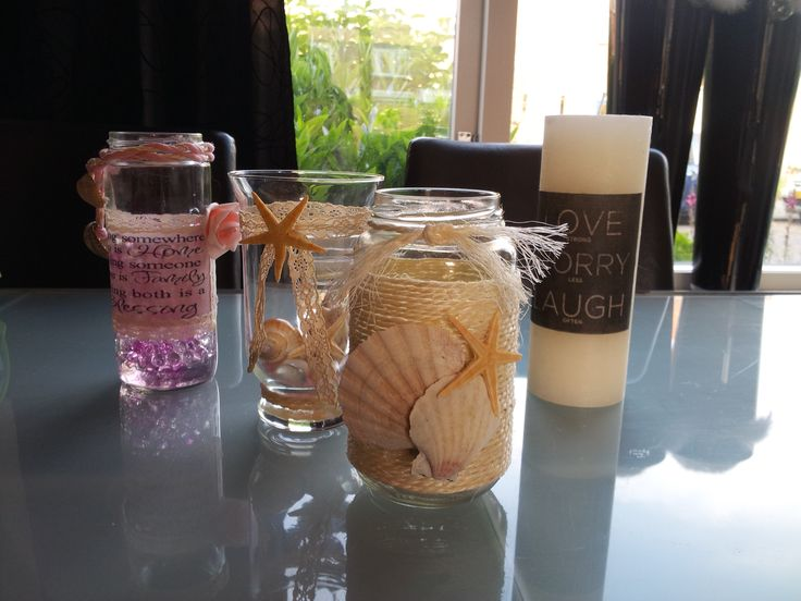 Lovely home decoration. Some are made with modge podge and a lot of creative extra's. Nice to put some citates you love on the jar, glass or candle.