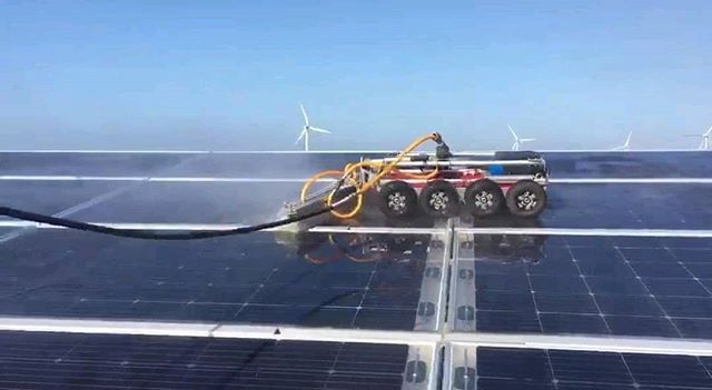 Robots Cleaning Solarpanels Solar Solar Panels Solar Energy