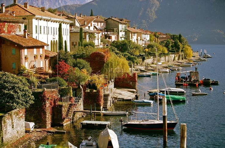 Any plan for August? In the meantime enjoy this glimpse … www.castadivaresort.com  #LakeComo #Ossuccio #Magic #Italy