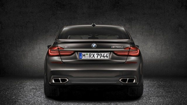2017 BMW M760Li, BMW M760Li 2017, BMW Xdrive – BMW is getting set to bring to market the first 7 Series design to take advantage of its M Efficiency treatment.