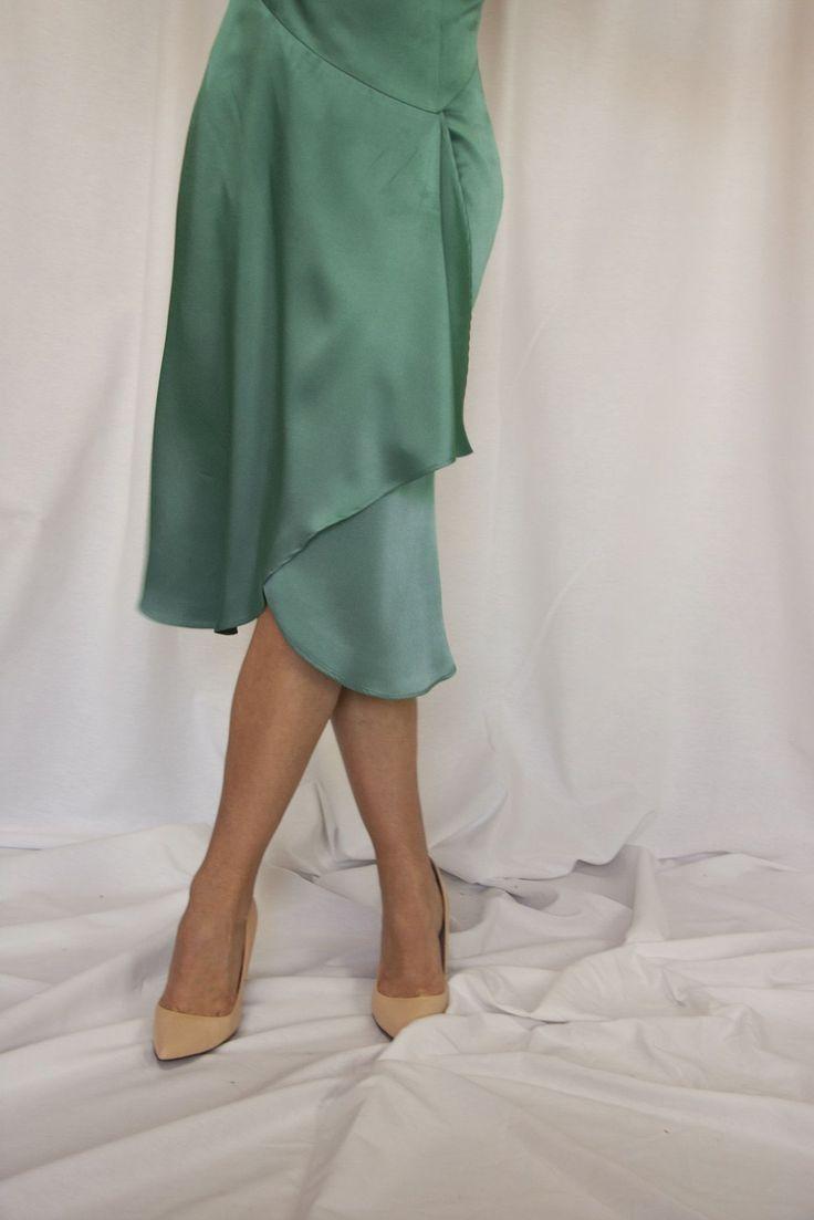 #CHICASETUREL  Verde&satén es otro de los MIX de la temporada!  Uno de nuestros modelos mas femeninos  // #ETURELLOULOU // http://eturelshop.com/product/eturelloulou-verde  #eturel #eturelpv2017 #streetstyle #invitada #invitadaperfecta #invitadasdifentes  #invitadaboda #lookboda #lookinvitadas #bodas #style #fashion #moda #weddingguest #fAshionoftheday  #chic #wedding #weddingguest #lookoftheday #lookboda #instacool #lookoftheday #headdress