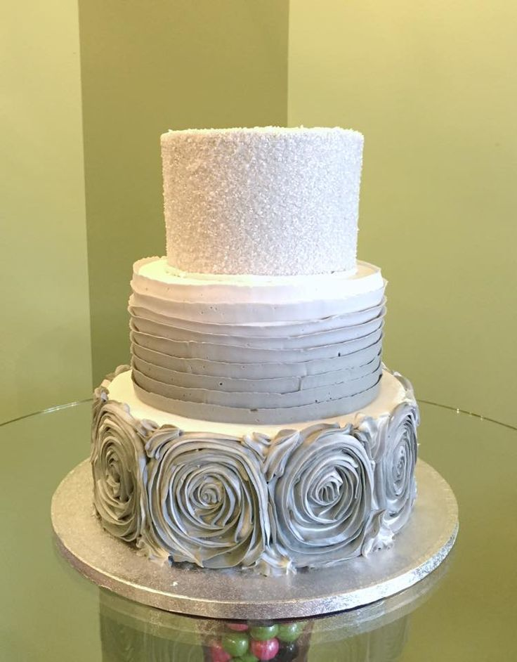 1000 images about wedding cakes on pinterest wedding cake gold milwaukee and buttercream designs. Black Bedroom Furniture Sets. Home Design Ideas