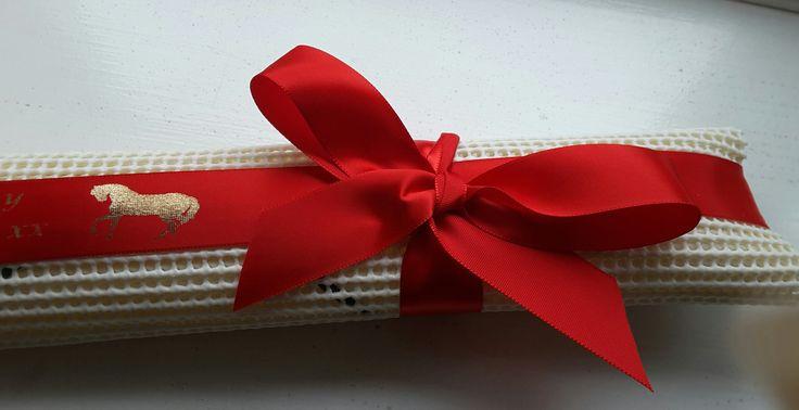 christmas gift ideas rosette holder gift wrapped