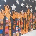 Mural de les mans alçades