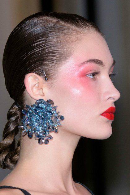Έτσι φοριέται φέτος το ρουζ | ομορφια , μακιγιάζ , news & trends | ELLE