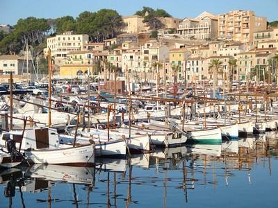 Marina Port de Soller Mallorca 2008  http://www.andrewsadventures.info/Best/Coastal/13003484_Tq4XF3/941223872_JbBaP#