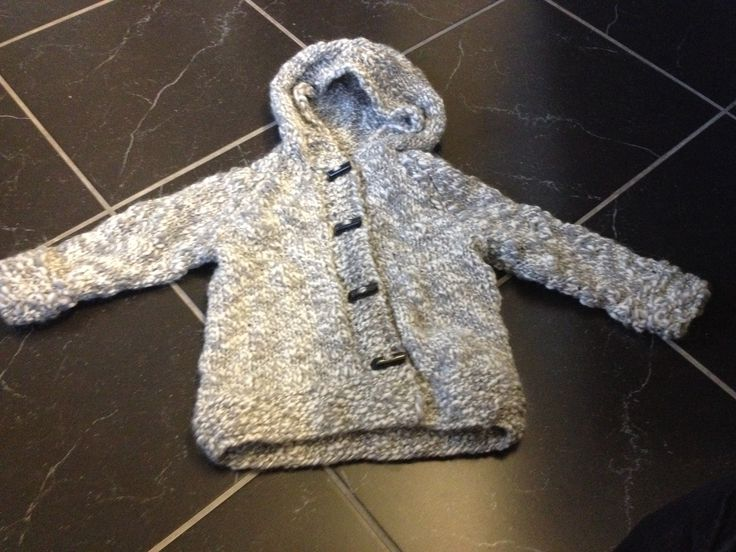 Knitted duffelcoat.  Girl 2 years.