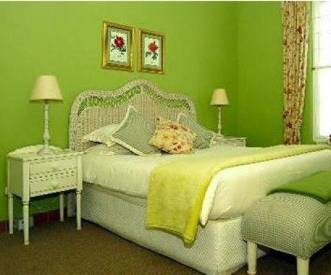 Phòng ngủ dịu mát trong nắng hè với tông màu xanh