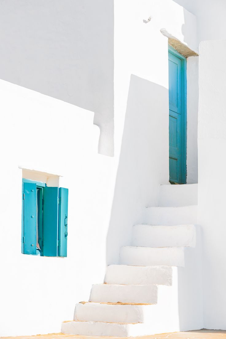 Minimal beauty of cycladic architecture