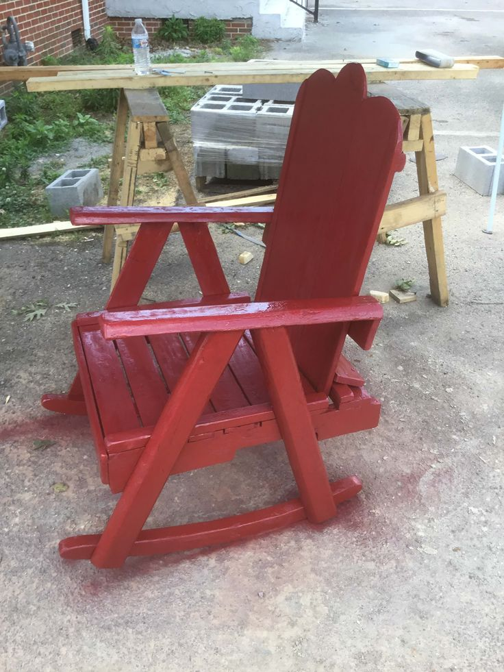 #AdirondackChair, #Diy, #DiyPalletFurniture, #Garden, #HomeDécor, #PalletAdirondackChair, #PalletChair, #PalletRocker, #Porch, #RecyclingWoodPallets, #RockingChair, #Rustic The best of both worlds: an Adirondack Chair and a Rocking Chair combined into my Rustic Pallet Porch Rocker. This took four pallets to build and about ten hours total.  How I made my best-of-both-worlds Rustic Pallet Porch Rocker: First, I cut