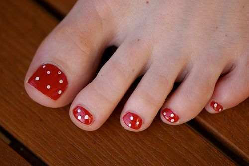 Nail art on toesToenails, Toes Nails Design, Nailart, Polka Dots Pedicures, Polka Dots Nails, Toe Nails, Toes Art, Nails Art Design, Toes Nails Art