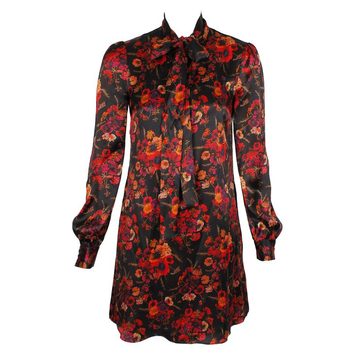 #galliano #johngalliano #marinamall #greenbird #couture #abudhabi #abudhabistyle #abudhabifashion #abudhabistyle #dubai #dubaifashion #dubaistyle #womenswear #fall2013 #winter2014 #fw2014 #prefall #casualwear #shortdress #floralprint #floral #blouse #rococo