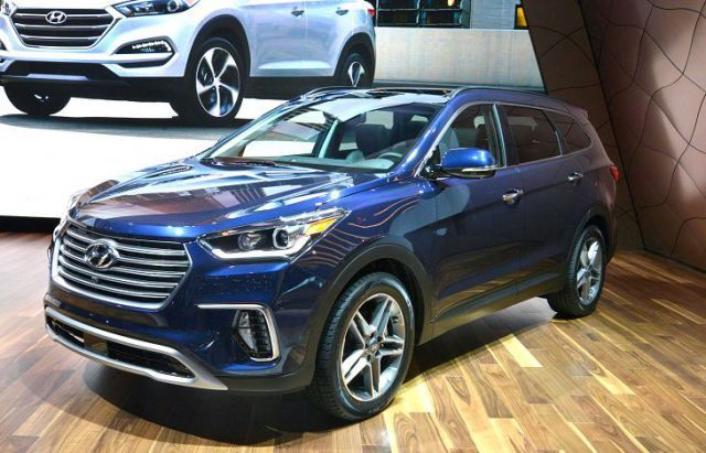 The Upcoming 2019 Hyundai Santa Fe Is A Midsize 7 Passenger Suv That Is Very Popular Among The Families Mostly Because Hyundai Santa Fe Hyundai Best Car Deals