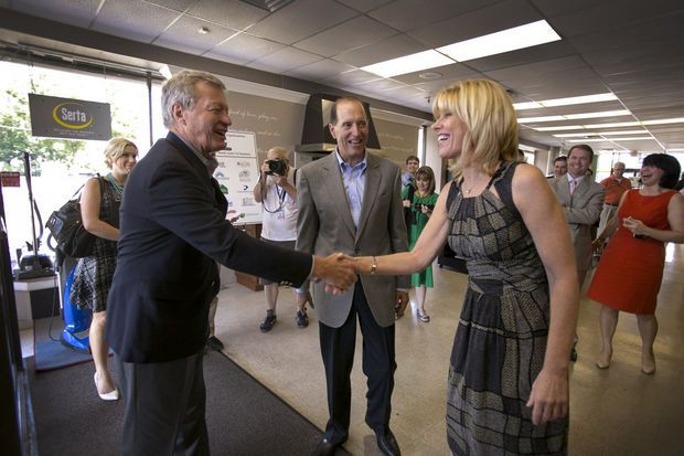 U.S. senator, congressman visit Lawrence appliance store on tax reform tour | NJ.com