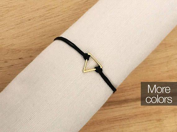 Triangle thread bracelet, geometric bracelet, cord, cotton thread simple bracelet, black bracelet, slipknot, adjustable bracelet, triangle