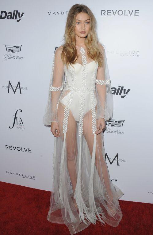 Gigi Hadid en Yanina Couture aux Fashion Awards 2016 à Los Angeles