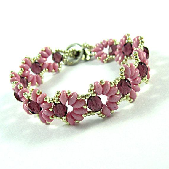 Cascara Pink, Beadwork Bracelet with Crystals and Pink Super Duo Beads.