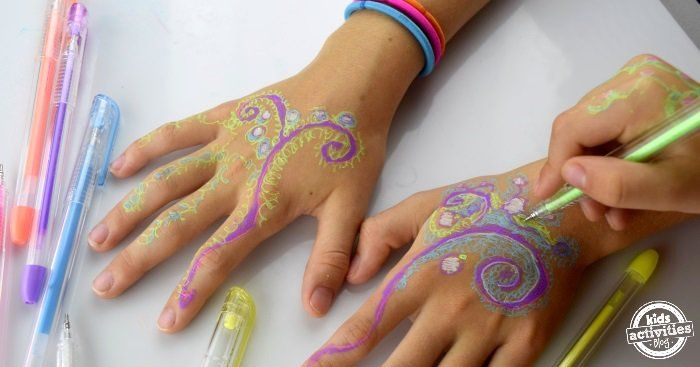 Henna Hands – With Gel Pens