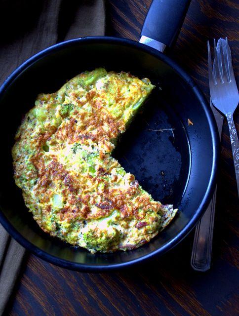obiad w 15 minut - dietetyczny omlet z brokułem i szynką | Pani Mucha