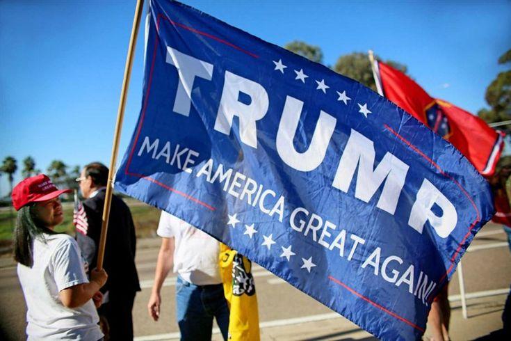 """O vencedor da eleições presidenciais norte-americanas, Donald Trump, disse que irá deportar """"imediatamente"""" dois a três milhões de imigrantes ilegais e com cadastro."""