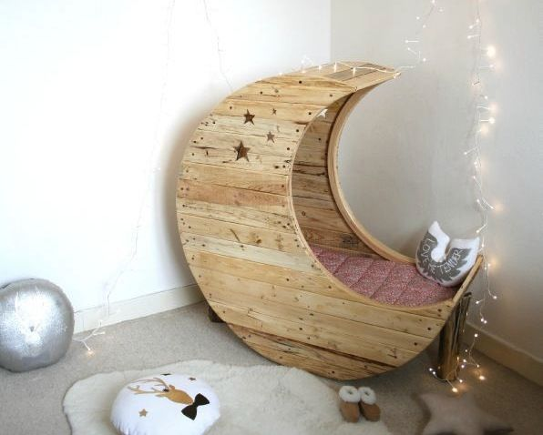 Moon Shaped Baby Cradle Made Out of Palettes 1