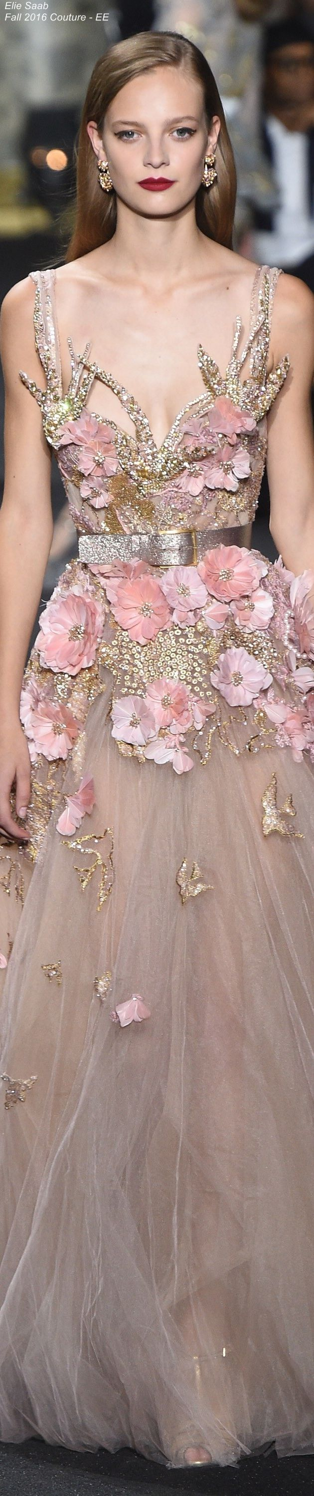 Elie Saab Fall 2016 Couture Love all of the detail on this gown.