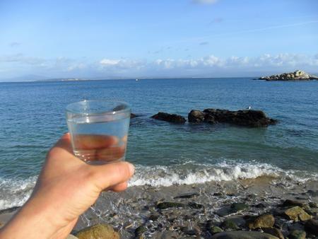 El por qué de los laboratorios medicinales que no quieren que tomemos agua de mar