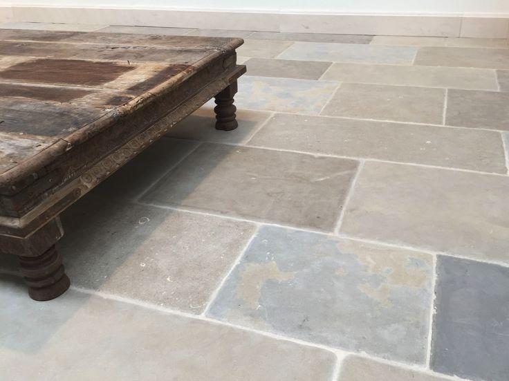 1000 images about bijzondere vloeren en terrassen on for Matte tegels