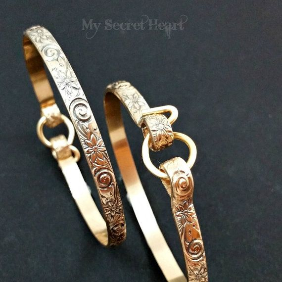 Hey, I found this really awesome Etsy listing at https://www.etsy.com/listing/257578117/pair-of-handcuff-bracelets-submissive