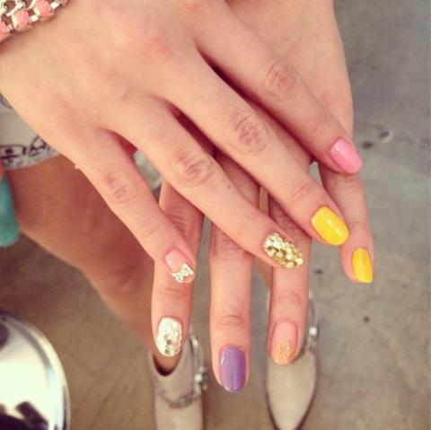 Selena Gómez se hizo un hermoso decorado en la uñas ¡FOTO!, Noticias, chismes, chismes de famosos, noticias de celebridades, cotilleo, Gossip, News, Famosos, Estrellas