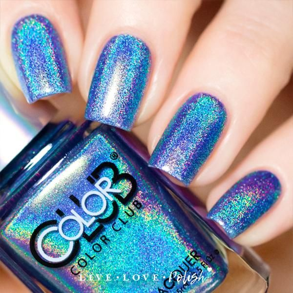 Color Club Crystal Baller is a brightblue linear holographic polish. This nail polish is designed and made in the USA! Application:Opaque in 2-3 coats. Textur