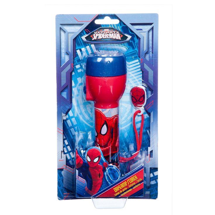 Neem Spiderman mee op een superhelden avontuur in het donker met deze LED zaklamp. De zaklamp is gemaakt van stevig kunststof en heeft een print van Spiderman rondom. Aan het handige koord hang je zaklamp gemakkelijk op een handige plek. Batterijen niet inbegrepen. Afmeting: zaklamp 17 x 4 x 4 cm - Spiderman LED Zaklamp