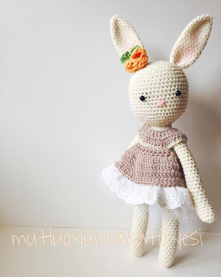 Bahar mutlulukla gel lütfen #crochet #crocheting #bebekhediyesi #bebekodası #yenianne #crochetaddict #crochetlove #amigurumi #amigurumidoll #gurumidoll #gurumigram #10marifet #bebekodası #babyroomdecor #uykuarkadaşı #sağlıklıoyuncak #bunny #rabbit #tavşan #tütü #tığişi #örgü #organikoyuncak #sipariş #siparişalınır #paskalya by asliaydmr