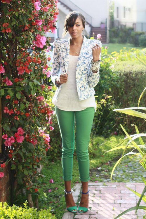 green pants + floral blazer: Light Pink Blazers, Green Jeans, Floral Blazers, Floral Prints, Green Skinny, Fashion Style, Colors Jeans, Green Pants, Colors Denim