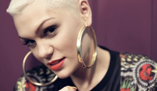 Videoclip: Jessie J - It's My Party   http://www.emonden.co/videoclip-jessie-j-its-my-party