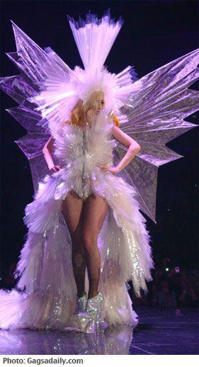 The Living Dress of Lady Gaga #YarisLadyGaga