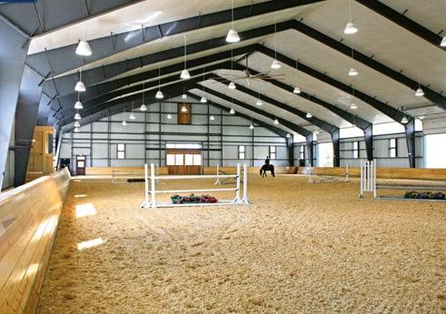 #Horse #Barn #Design #Riding #Arena #Design #Caballo #Granja #Diseño #Montar #Fences #Obstaculos #KisakiClub