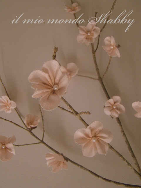 Easter and Spring home decor: DIY peach blossom / Ramo di fiori di pesco