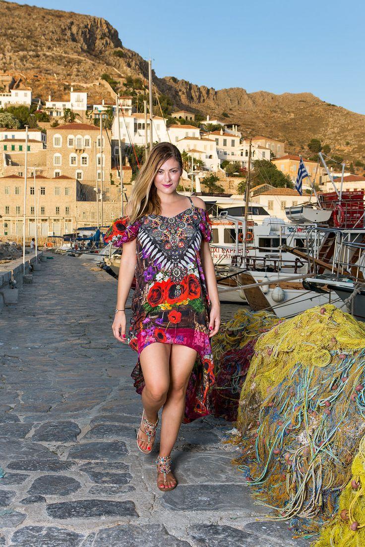 Passion Rose Φόρεμα στολισμένο με Swarovski αναδεικνύει και φωτίζει την ομορφιά και την μαγεία που κρύβει μέσα της κάθε γυναίκα!