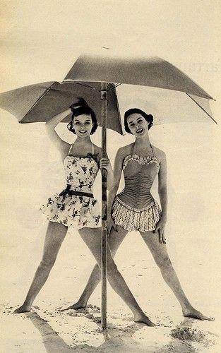 beachVintage Swimsuits, Fashion, Bathing Suits, Vintage Swimming, At The Beach, Summer, Swimming Suits, Bath Suits, Bath Beautiful