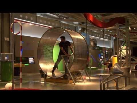 Ρόδα Χάμστερ στο ΝΟΗΣΙΣ - Hamster Wheel hands-on exhibit - YouTube