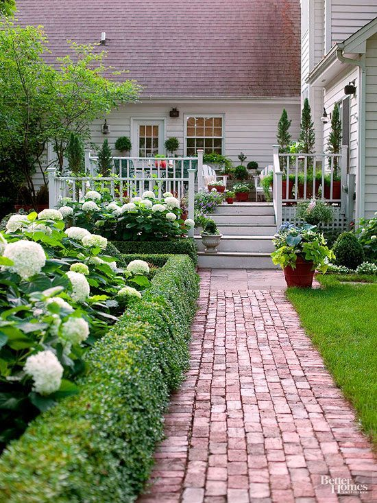 These top-pinned curb appeal ideas provide awesome inspiration ideas for your next entry or outdoor remodel! From chic porch décor to a bright front door, these ideas are simple, yet so effective! Landscaping and gardening are also great ways to impress your guests and neighbors when they see your home.