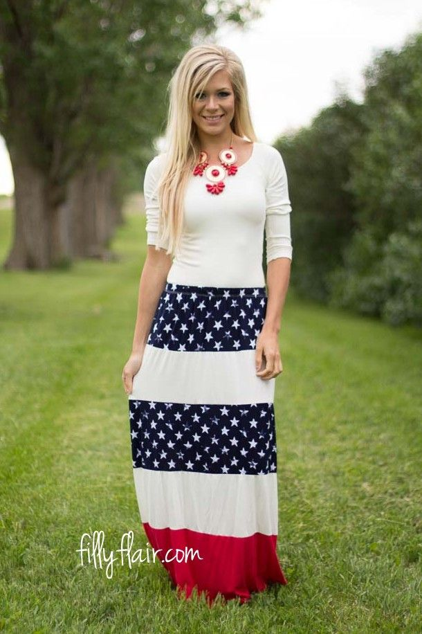 Prideful Stripes Maxi Skirt | Don't miss out on this patriotic maxi skirt outfit!