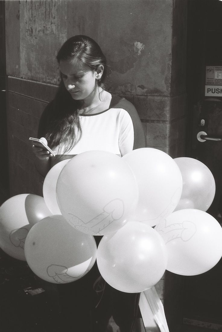 Baloon Girl, Fitzory St, Brunswick, this is one of the reasons why i always carry a camera with me, you never know what you will come across and when!!!!!!